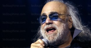 demis-roussos-photo-afp-stephane-de-sakutin